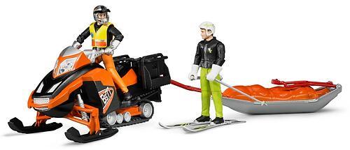 Снегоход Bruder с креплением Акиа, водителем и горнолыжником (5)
