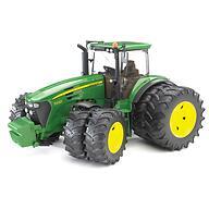 Трактор Bruder с двойными колёсами John Deere 7930