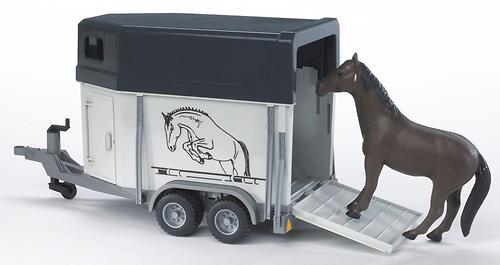 Прицеп-коневозка Bruder с лошадью (3)