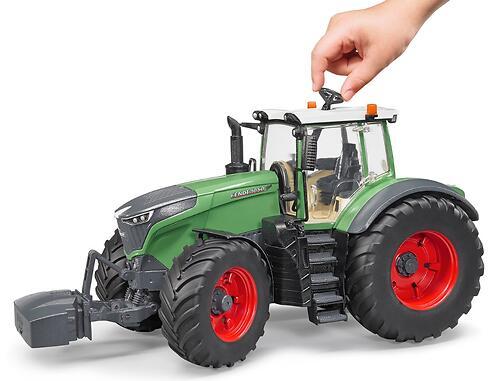 Трактор Bruder Fendt 1050 (7)