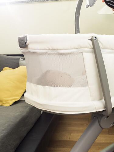 Кроватка-стульчик Chicco Baby Hug Air 4в1 Glacial (17)
