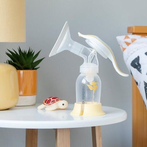 Молокоотсос MEDELA ручной HARMONY Essentials (6)