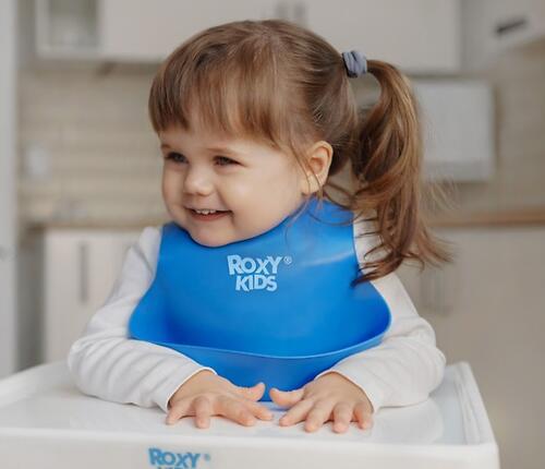 Нагрудник Roxy Kids мягкий с кармашком и застежкой RB-401-B Синий (10)