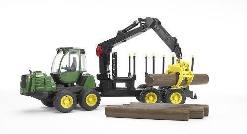 Трактор John Deere 1210E с прицепом с манипулятором и брёвнами (7)