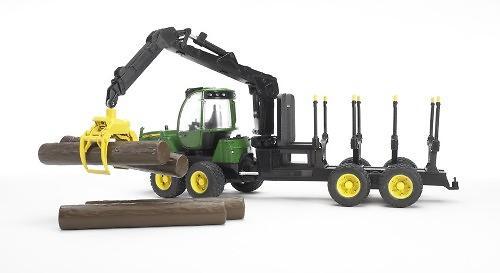 Трактор John Deere 1210E с прицепом с манипулятором и брёвнами (6)