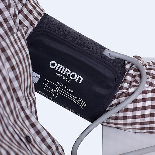 Тонометр Omron M3 Comfort (манжета Intelli Wrap 22-42 см) (10)