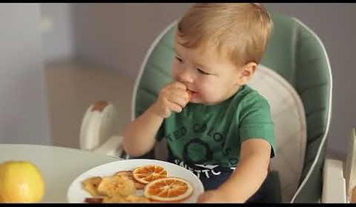 Стул для кормления Happy Baby Berny V2 Milk (16)