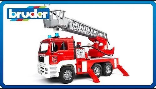 Bruder Пожарная машина MAN с лестницей (14)