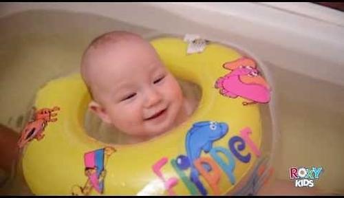 Круг на шею Roxy Kids Flipper музыкальный для купания (17)